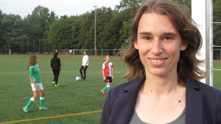 club vrouw pijpbeurt in Leiden